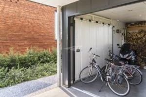 Zijdelingse garagedeur elektrisch