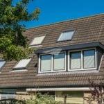 Kunststof dakkapel antraciet met wit bouwvergunning