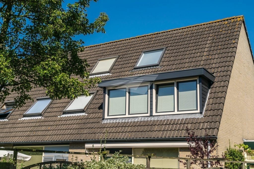 Kunststof dakkapel antraciet met wit