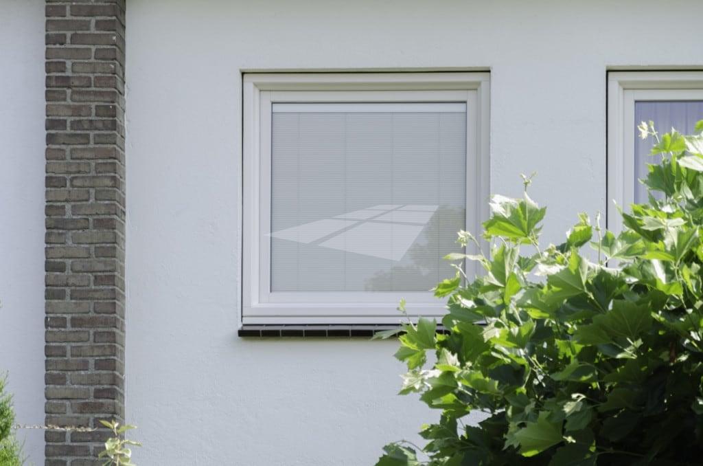 Kunststof raam met Screenline zonwering