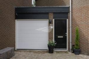 Elektrische garagedeur wit