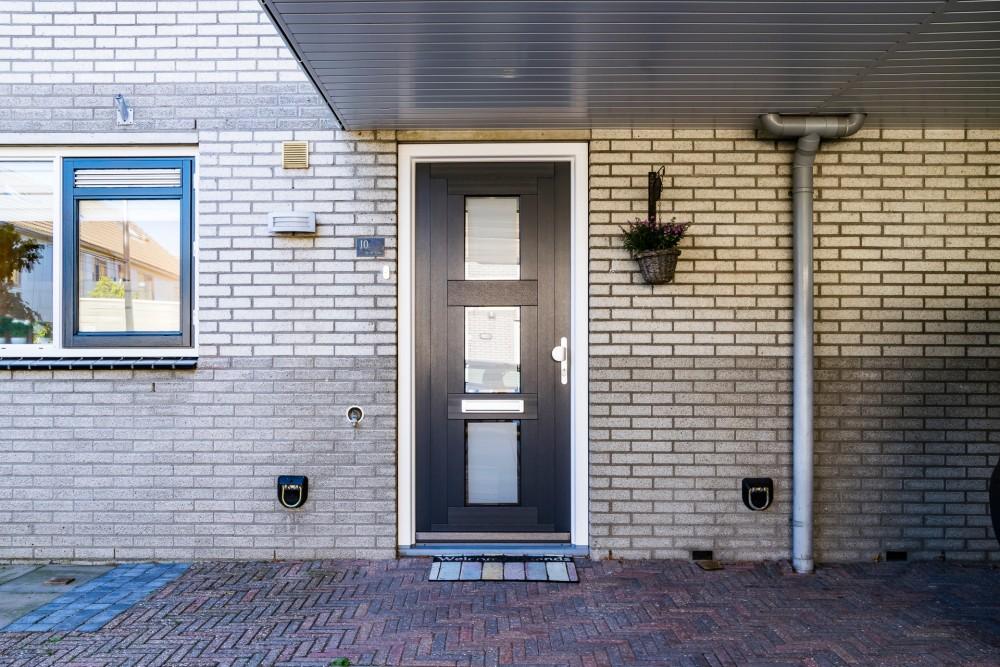 Select Windows kunststof kozijnen - Kunststof voordeur antraciet