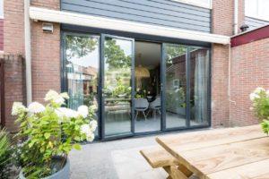 Select Windows aluminium vouwwand harmonicadeur in uitzending vtwonen verbouwen of verhuizen