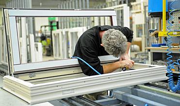 Select Windows Kunststof kozijnen fabriek - productie - Afwerking kunststof kozijn - assemblagemedewerker afmontage