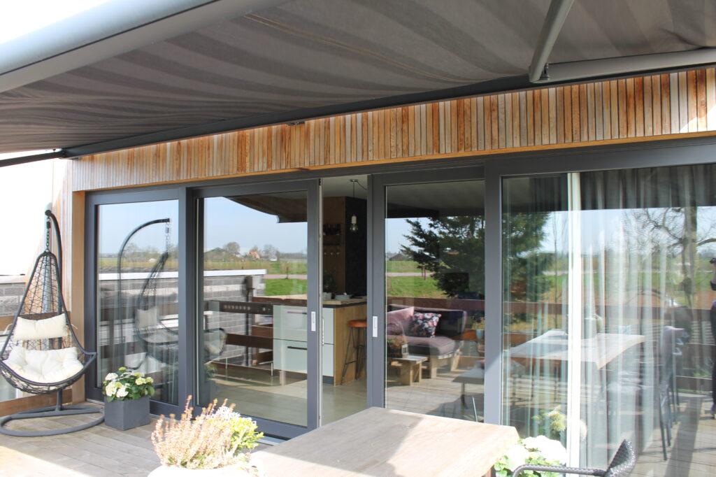 Select Windows Kunststof schuifpui - meer daglicht in huis - Vierdelige kunststof schuifpui in Ursem, Noord Holland