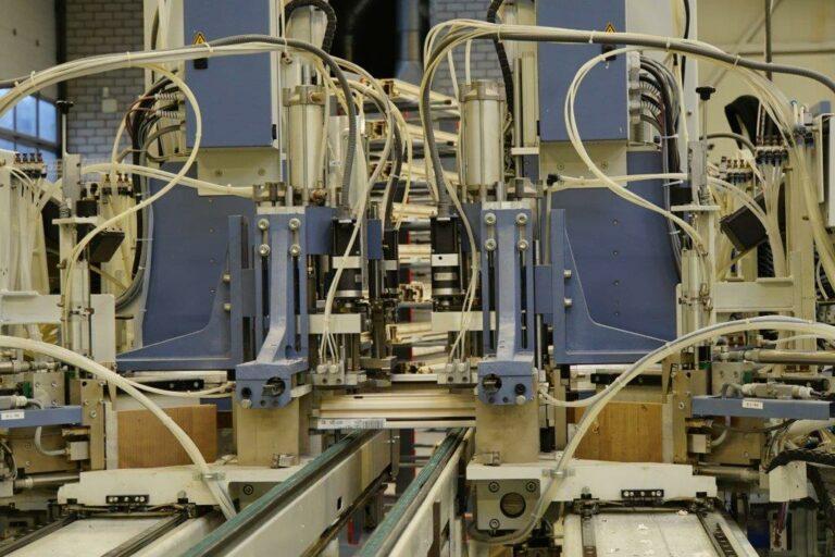 Select Windows Kunststof kozijnen fabriek - productie-Lasmachine - monteur technische dienst
