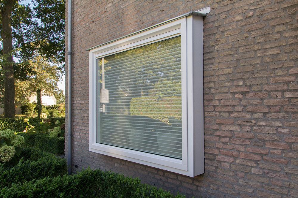 Select Windows kunststof kozijnen - bloemkozijn