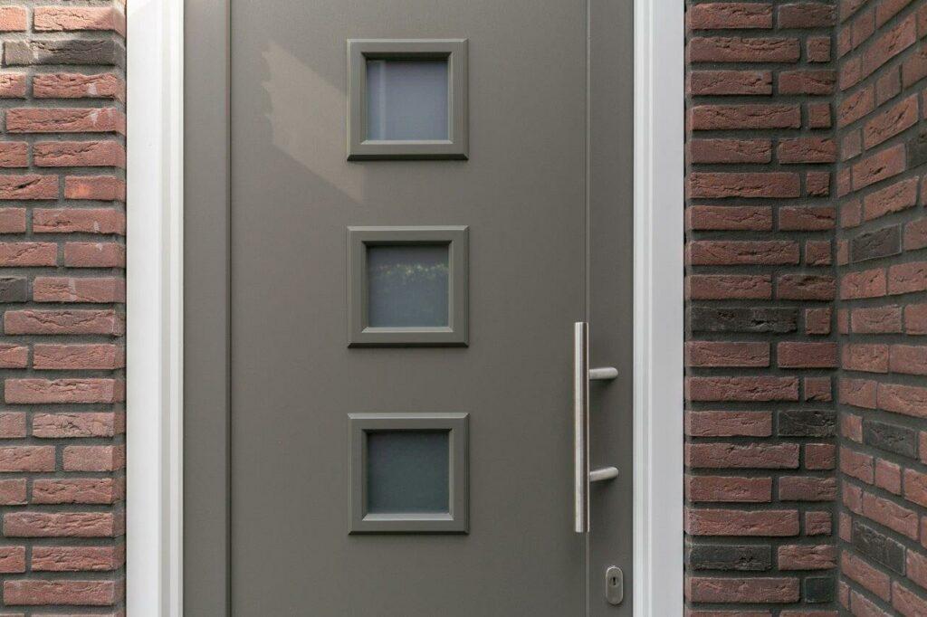 Select Windows Referentie Rijsbergen - Kunststof kozijnen in nieuwbouwwoning - kunststof voordeur