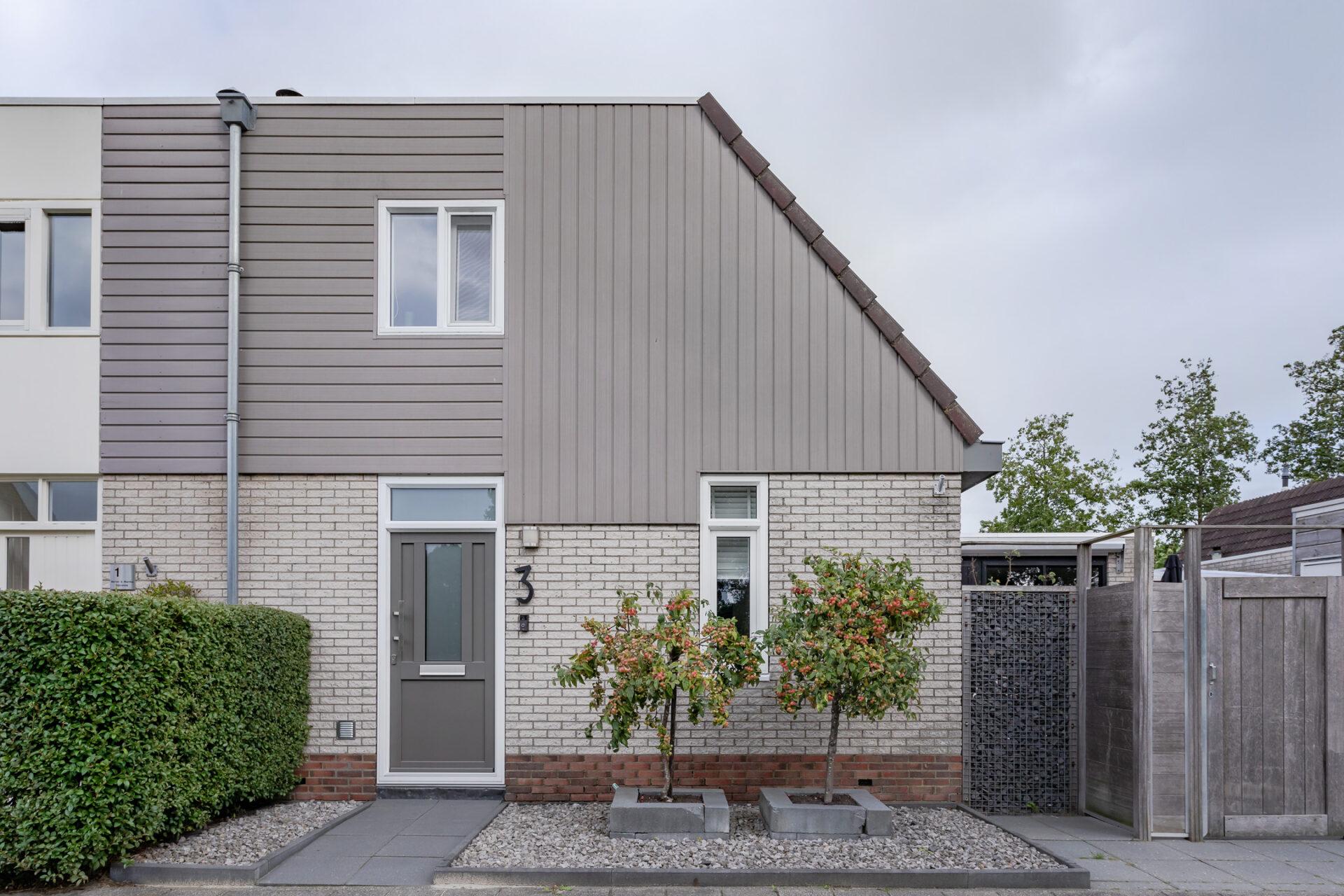 Select Windows Kunststof kozijnen - Referentie Drachten - kunststof kozijnen en voordeur in Friesland