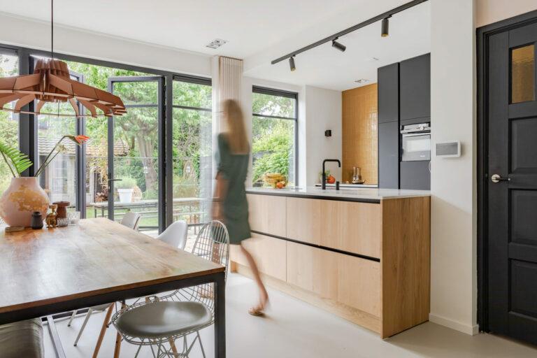 Select Windows Kunststof kozijnen - Steellook kozijnen Driehuis - aluminium kozijnen - oktober woonmaand Amanda