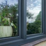 Select Windows kozijnen - Woningrenovatie met kunststof kozijnen in Elst - woonkamer buitenzijde - Hollands Blok