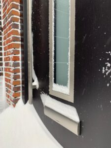 Select Windows Kozijnen - geniet van de luxe van isolerende kozijnen in de winter - kunststof voordeur