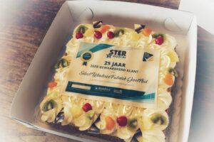 Select Windows Kunststof Kozijnen - taart Ster Kozijn 25 jaar