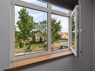 Select Windows Draaikiepramen - detail binnenzijde - open in draaistand