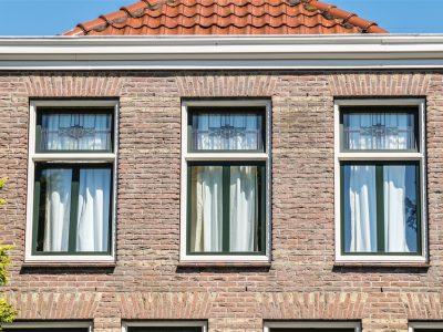 Select Windows Kunststof kozijnen - kunststof ramen met glas-in-lood tussen isolatieglas - Amsterdams schuifraam