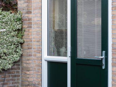 Select Windows kunststof achterdeuren in 150 kleuren