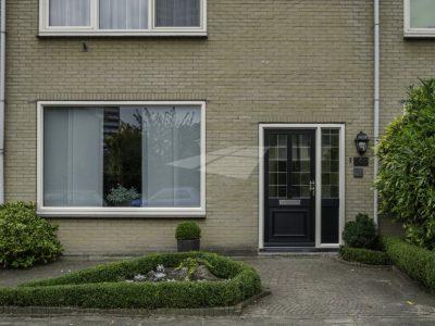 Select Windows kunststof kozijnen - Kunststof voordeur met glas-in-lood