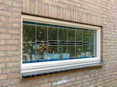 Select Windows kunststof kozijnen met glas-in-lood tussen isolatieglas