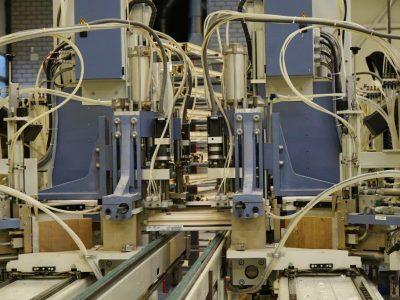 Select Windows Kunststof kozijnen fabriek - productie-Lasmachine