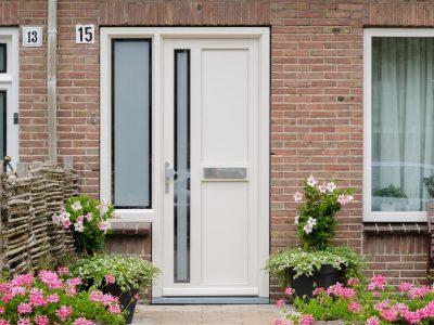 Select Windows kunststof voordeur met zijlicht