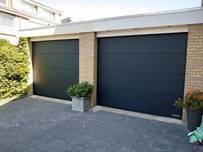 Select Windows partner Kozijn en Zo plaatste dubbele Hormann garagedeuren